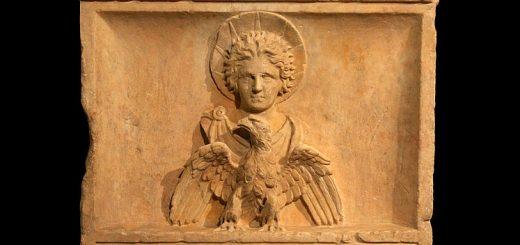 Altar zu Ehren des palmyrenischen Gottes Malakbel,  Kapitolinische Museen in Rome. Foto:  Jean-Pol Grandmont