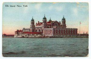 "Durchgangsstation für Millionen Immigranten im 19. und 20. Jahrhundert: die Insel Ellis Island. Quelle: Art and Picture Collection, The New York Public Library. ""Ellis Island, New York."" The New York Public Library Digital Collections. 1911 - 1915. http://digitalcollections.nypl.org/items/510d47e2-8c49-a3d9-e040-e00a18064a99"